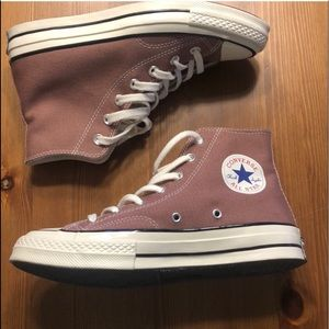 70's throwback converse!